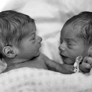Buenas razones para amamantar gemelos
